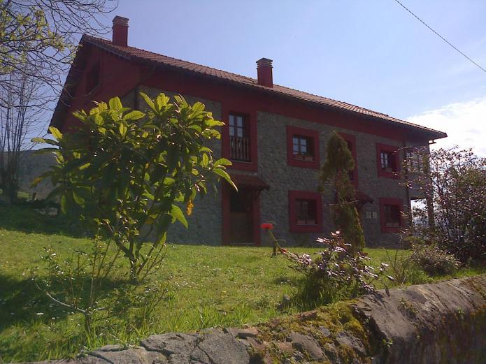 casa rural con jardin