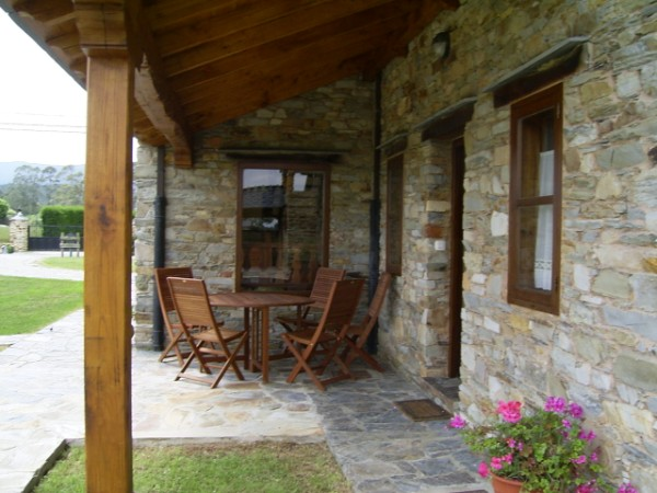 casa rural con terraza