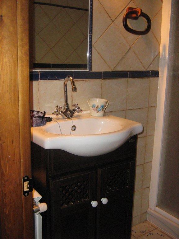 baño completo casa rural