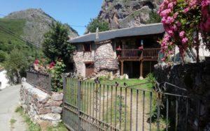 """""""Casas La Laguna I """" Parque Natural de Somiedo"""