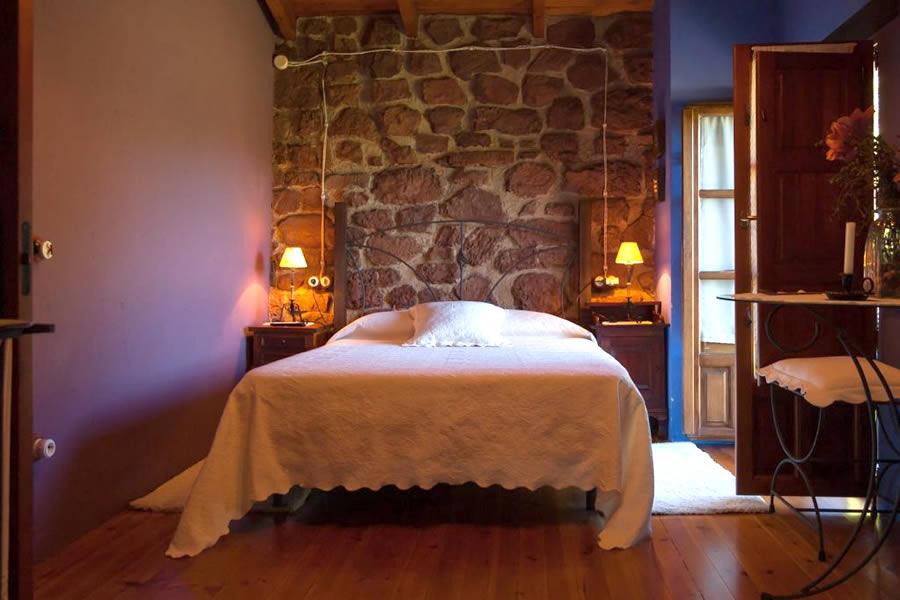 casa rural cama matrimonial